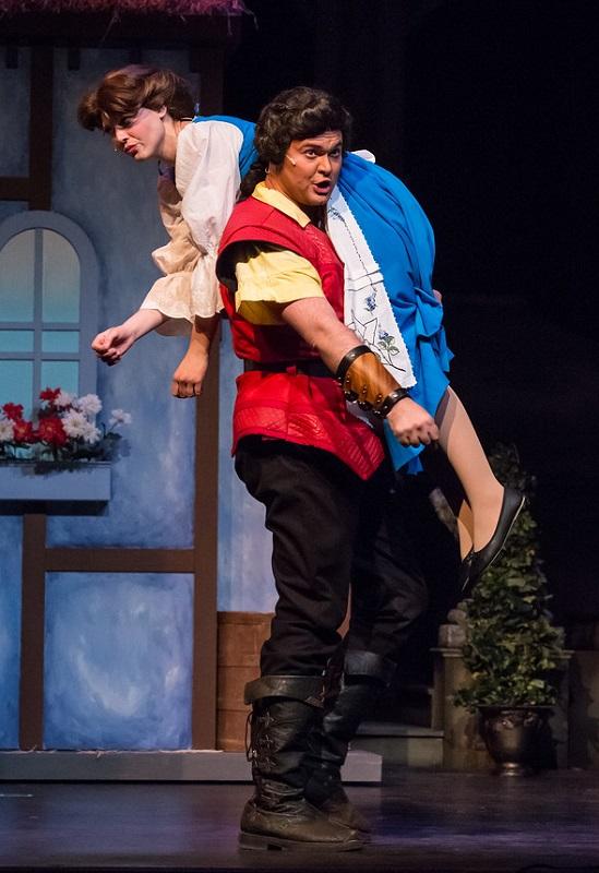 Gaston attempts to woo an unappreciative Belle.